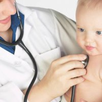 Как можно вылечить горло ребенку 9 месяцев